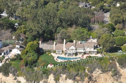 Barbra-Streisand-estate-in-Malibu